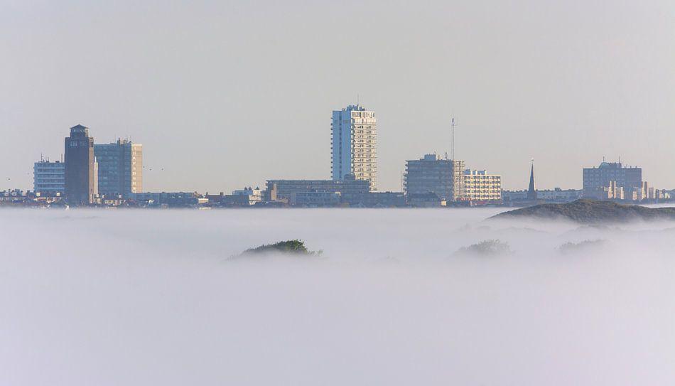 Zandvoort onder een mistdeken van Remco Van Daalen
