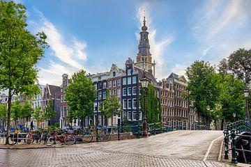 Les maisons du canal et la Zuiderkerk à Amsterdam sur Thea.Photo