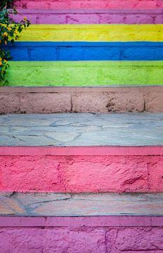 Escalier coloré sur Cynthia Hasenbos