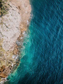 Wunderschönes azurblaues Meer | Provence, Côte d'Azur von Melody Drost