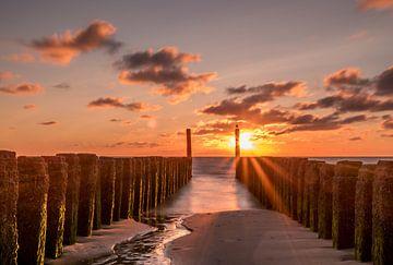 Gouden uur aan de Nederlandse kust  van Nick Janssens
