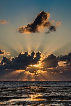 Sonnenuntergang über dem Wattenmeer bei Harlingen von Harrie Muis