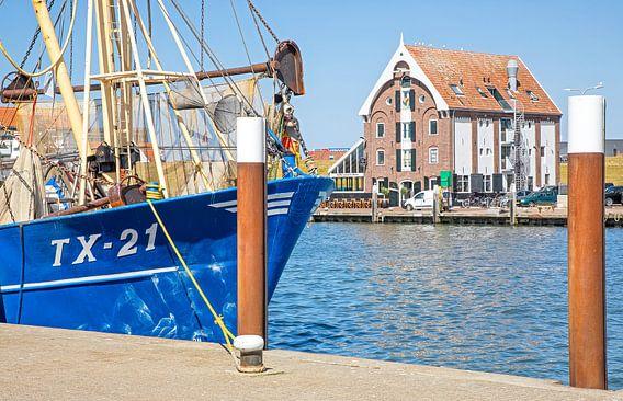 Haven van Oudeschild op Texel / Harbour of Oudeschild on Texel van Justin Sinner Pictures ( Fotograaf op Texel)