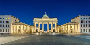 Brandenburger Tor in der Morgendämmerung von Michael Valjak
