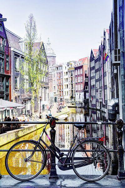 Amsterdamse Fiets op achterzijde Zeedijk, Kolkje vanaf Spooksteeg van Hendrik-Jan Kornelis