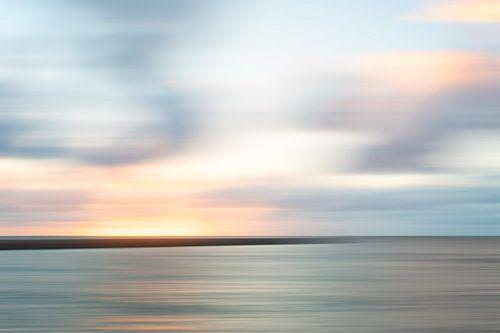 Zonsondergang met het havenhoofd van Scheveningen