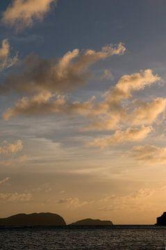 Zonsondergang op Bequia van Margot van den Berg