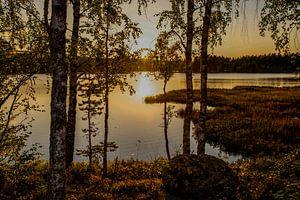 """""""Zonsondergang"""" over een meertje in Dalarna, Zweden."""
