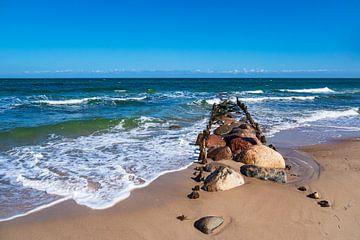 Buhnen an der Küste der Ostsee bei Kühlungsborn. von Rico Ködder