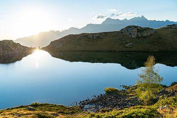 Sonnenuntergang in den Bergen Frankreichs von Martijn Joosse