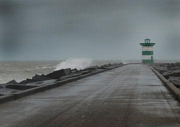 Havenhoofd Scheveningen bij storm van Rinke Velds