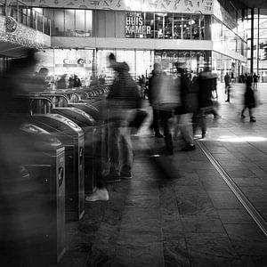 Reizigers in Rotterdam Centraal van