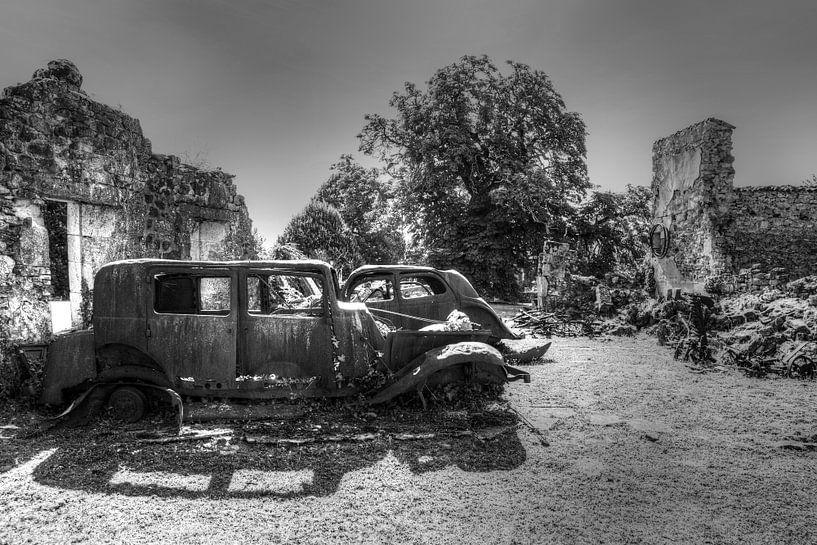 Oradour-Sur-Glane von Peter Deschepper