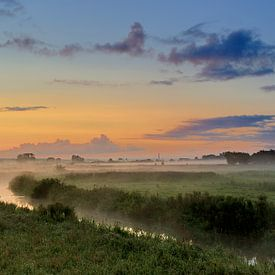 Amerongse Bovenpolder in het ochtendlicht. van Willem van Leuveren Fotografie