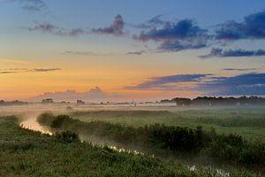 Amerongse Bovenpolder in het ochtendlicht. van