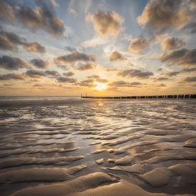 zonsondergang op het strand van Zoutelande (3 van 3) van Edwin Mooijaart
