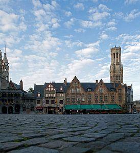 Brugge, burg, zicht op Halletoren en Heilig Bloedbasiliek van