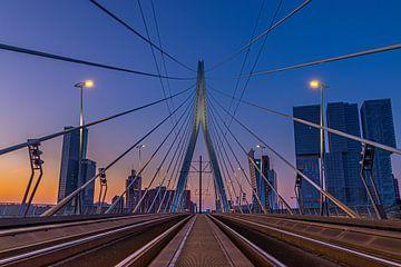 Sonnenuntergang Skyline Rotterdam von Eddie Visser