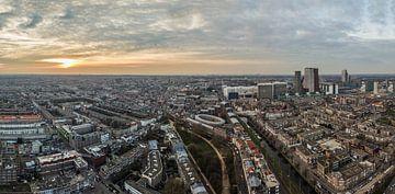 Panorama uitzicht Den Haag vanaf Haagse Toren bij zondondergang von Alain Dacier