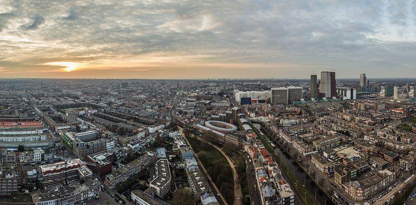 Panorama uitzicht Den Haag vanaf Haagse Toren bij zondondergang van Alain Dacier
