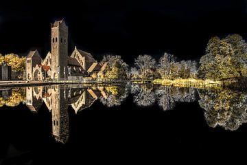 Die Kirche Johannes des Täufers gespiegelt und herausgegeben von Harrie Muis