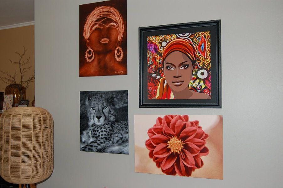 Kundenfoto: Afrikanische Frau in goldenem Sonnenschein. von Ineke de Rijk