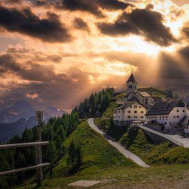 Monte Santo di Lussari @ sunset von Mart Houtman