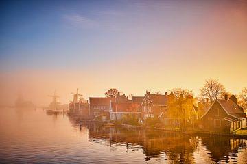 Huisjes langs het water op de Zaanse Schans