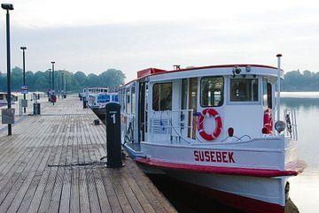 Alsterschepen bij de pier van Norbert Sülzner