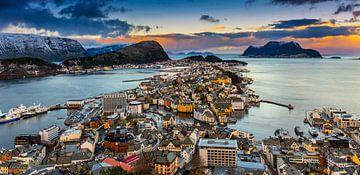 Zicht op Ålesund, Noorwegen van Adelheid Smitt
