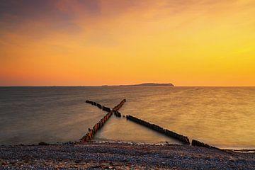 Buhnen in X-Form am Strand von Frank Herrmann