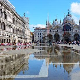 Piazza en basiliek San Marco Venetië van My Footprints