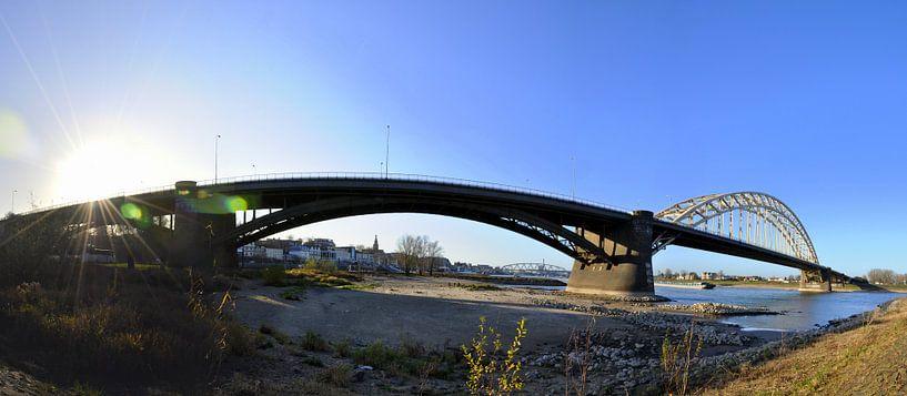 Panorama Waalbrug Nijmegen van Maarten  van der Velden