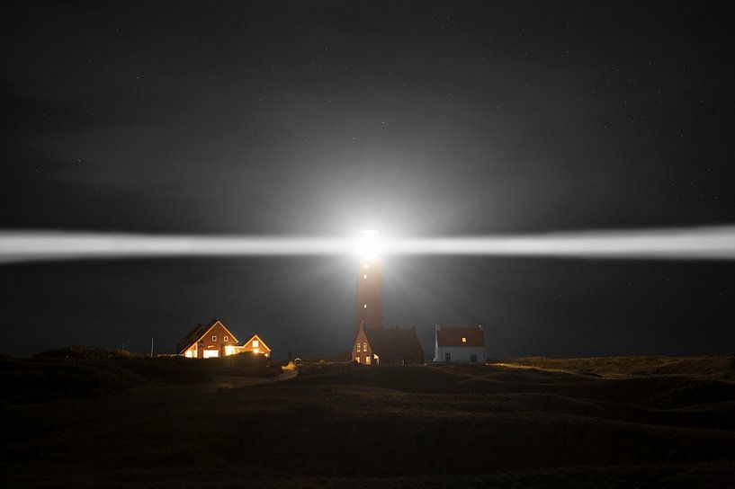 A Lighthouse at Night on Texel van Brian Morgan