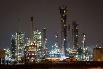 Industrie bei Nacht von Menno van der Haven