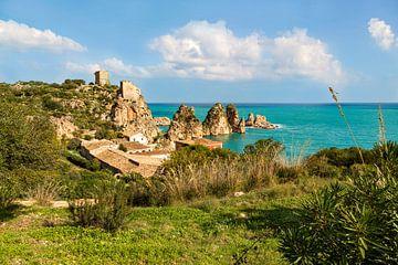 Tonnara di Scopello, aan de Golf van Castellammare, Scopello, Trapani, Sicilië, Italië. van Mieneke Andeweg-van Rijn