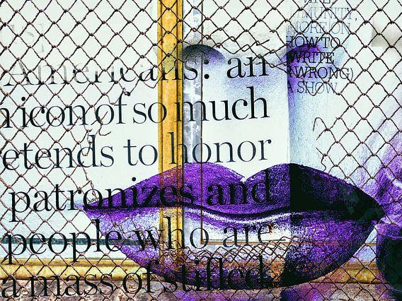Purple lips behind the fence van Gabi Hampe