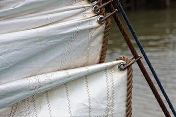 Voorzeil oude zeilschip van Jan Brons