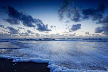 typisch Hollandse wolkenlucht boven de Noordzee von