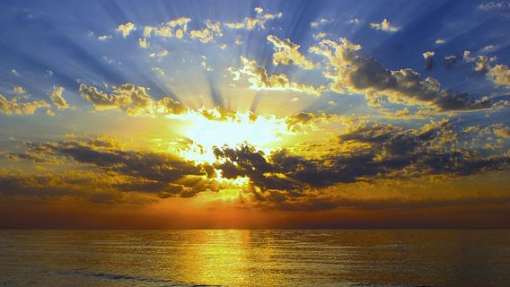 Sonnenstrahlung van Ostsee Bilder