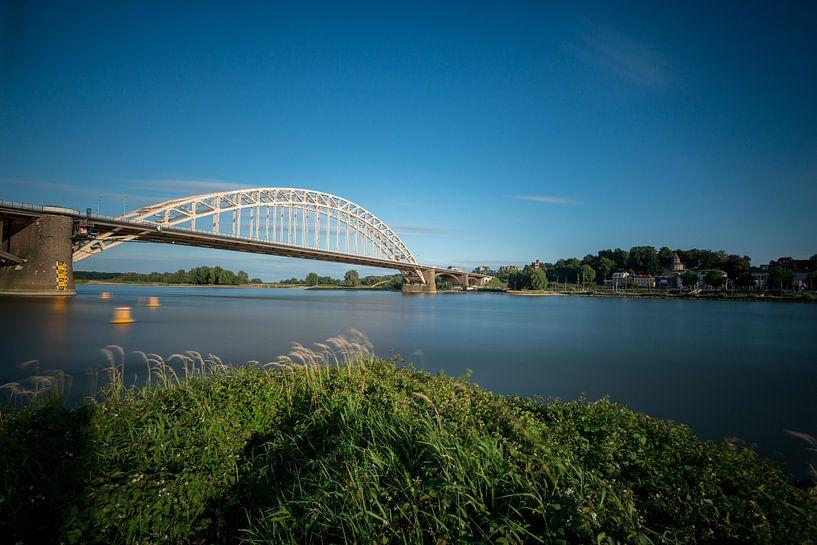 Waalbrug bij Nijmegen van Maerten Prins