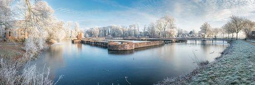 Winterse slotgracht panorama van