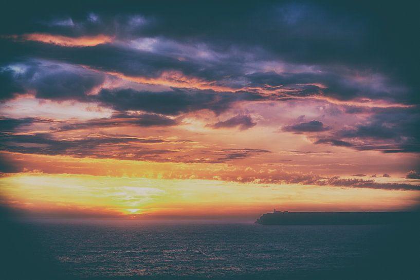 Kleurrijke zonsondergang van Jacqueline Lemmens