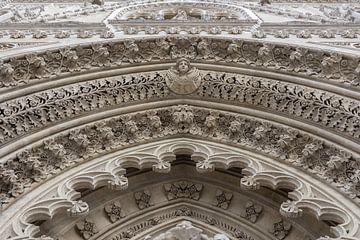Skulptur über der Tür, Zagreber Kathedrale von Rietje Bulthuis