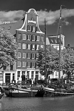 Grachtenpand Dordrecht zwart/wit van