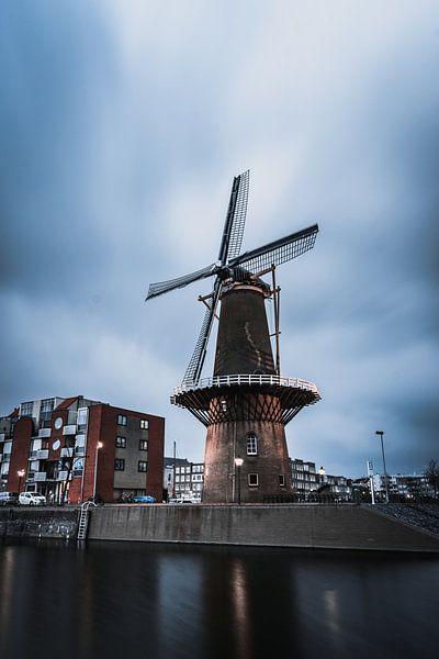 Windmolen in Delfshaven Rotterdam van vedar cvetanovic