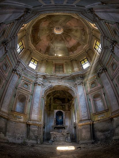 Verlaten Plek - Kerk van Carina Buchspies