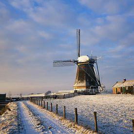 Moulin sous la lumière chaude d'un lever de soleil hivernal sur iPics Photography
