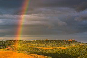 Regenbogen über Pienza, Toskana, Italien von Henk Meijer Photography