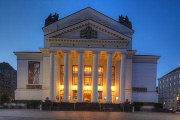 Deutsche Oper am Rhein/Theater der Stadt Duisburg am K�nig-Heinrich-Platz bei Abendd�mmerung, Duisbu von Torsten Krüger